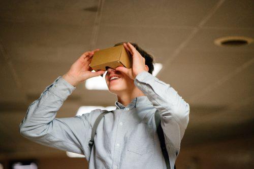 Casques de réalité virtuelle en classe