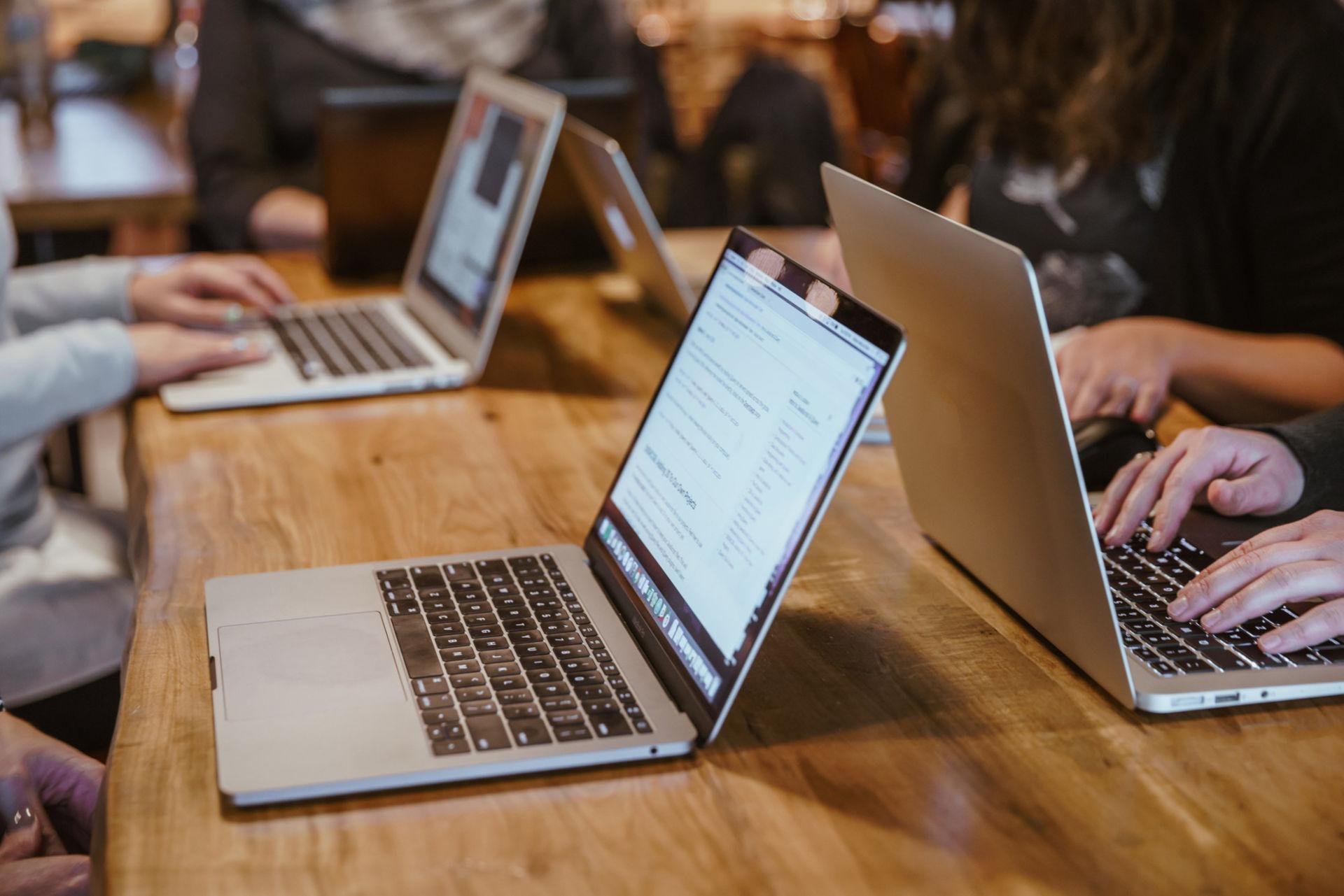 Enseigner le numérique en cours de Français, mais lequel?